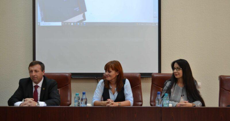 """Manualul """"Drept internațional public"""" – prima lucrare științifică acceptată în calitate de suport didactic de șapte instituții de învățământ superior din Republica Moldova"""