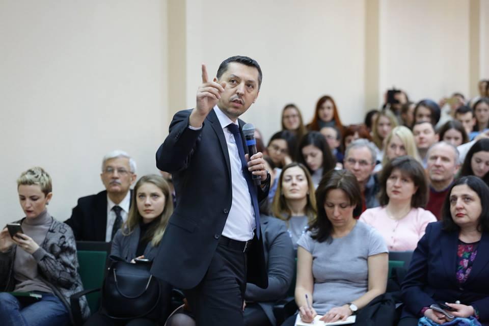 Prof. D. David la USM